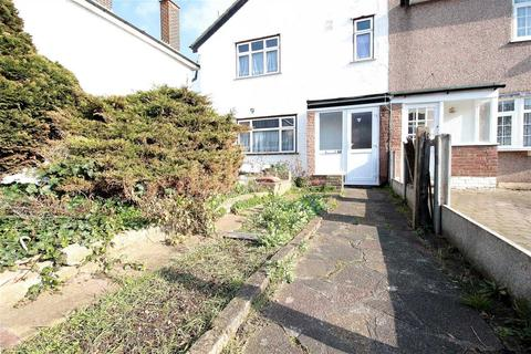 3 bedroom semi-detached house to rent - Tomswood Hill, Ilford