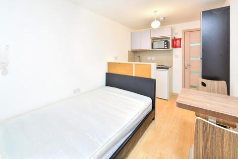 Studio to rent - Dawes Road,Fulham, London, SW6