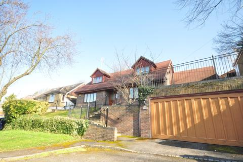4 bedroom detached house to rent - Highland Road Purley CR8