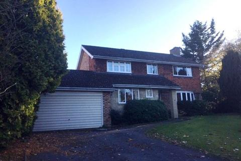 4 bedroom house to rent - Fetcham