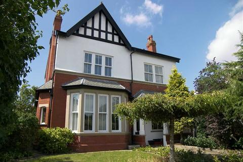 4 bedroom detached house to rent - Queens Road, Lytham St Annes, Lancashire
