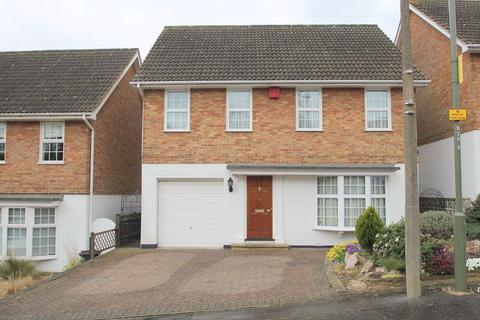 4 bedroom detached house to rent - Heatherbank, Chislehurst, Kent, BR7 5RE