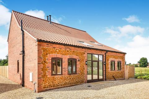 3 bedroom barn conversion for sale - Chequers Road