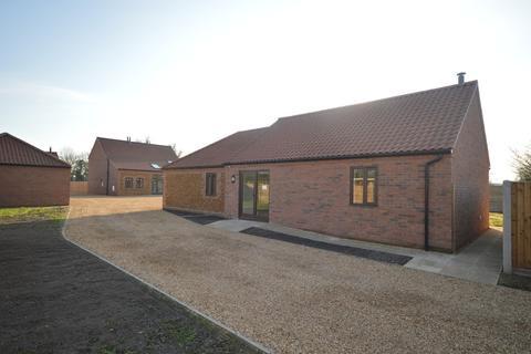 3 bedroom detached bungalow for sale - Grimston, Kings Lynn, Norfolk