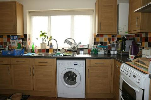 3 bedroom semi-detached house to rent - Carrick Gardens, Woodley, Reading,