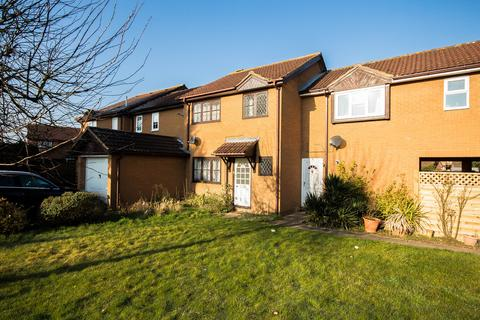 3 bedroom terraced house to rent - The Oaks, Milton