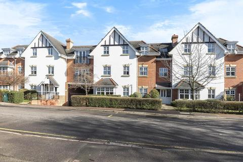2 bedroom apartment to rent - Claremont Avenue,  Woking,  GU22
