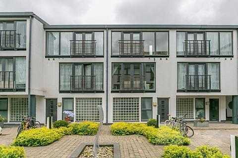 4 bedroom mews to rent - Artisan  Quarter, Wellington Road, Kensal Green, NW10