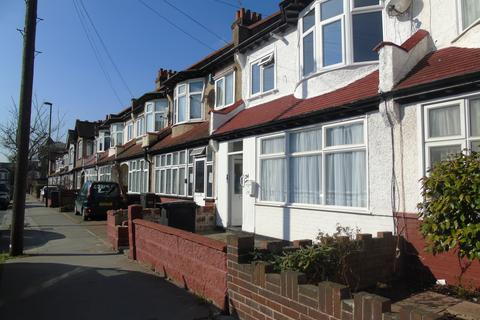 2 bedroom maisonette for sale - Kingswood Avenue, Thirnton Heath, London CR7