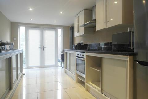 4 bedroom house share to rent - Ryde Street, Hull