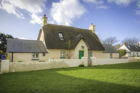 3 bedroom cottage for sale - The Green, Marloes