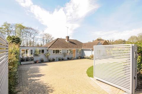 4 bedroom detached bungalow to rent - Virginia Water,  Surrey,  GU25