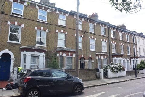 2 bedroom flat to rent - Santley Street, London