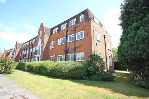 3 bedroom flat to rent - Belmont Close, Cockfosters, Barnet EN4