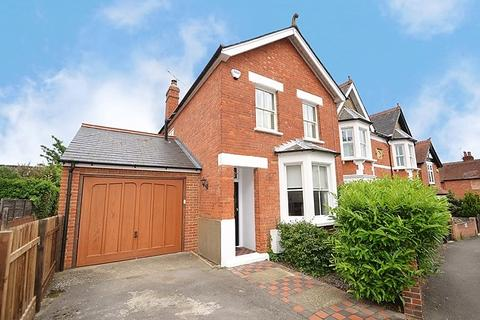 3 bedroom detached house to rent - Queens Road, Sunninghill, Berkshire