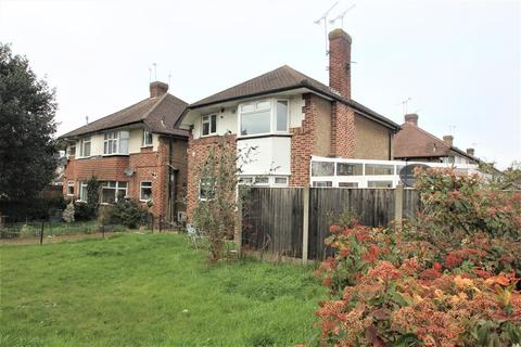 2 bedroom maisonette to rent - Staines Road, Bedfont