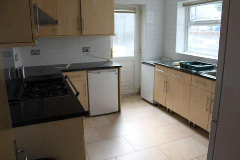 7 bedroom end of terrace house to rent - Modern 7 bedroom property in Angus Street