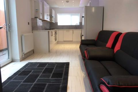 5 bedroom terraced house to rent - Moy Road, Roath, Cardiff, CF24 4TF