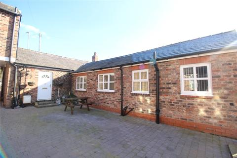 3 bedroom bungalow for sale - Tarbock Road, Huyton, Liverpool, Merseyside, L36