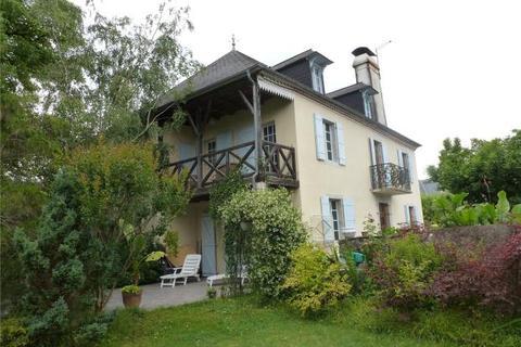 4 bedroom house  - Navarrenx, Pyrenees Atlantiques, France