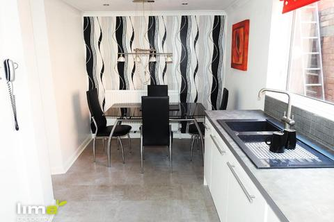 2 bedroom flat to rent - Marina Mews, Hull Marina, Hull, HU1 1UD