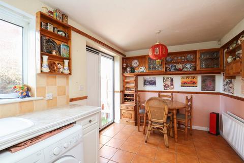 3 bedroom semi-detached house for sale - Fretson Close, Sheffield