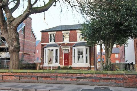 Property to rent - Grosvenor Road, Wrexham