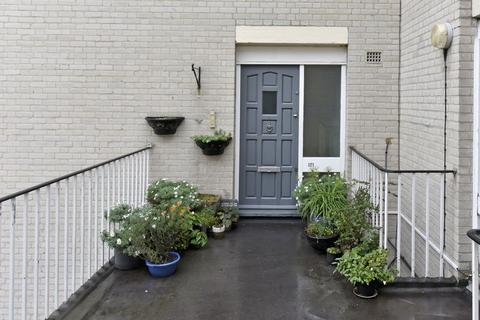 2 bedroom apartment to rent - Cedars Road, Clapham Common SW4