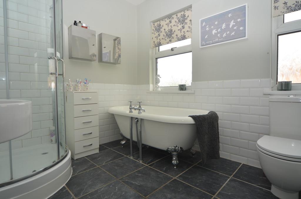 Bathroom x1