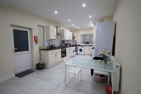 8 bedroom terraced house to rent - Cathays, Cardiff CF10