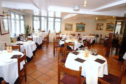 Restaurant to rent - High Street, Bagshot