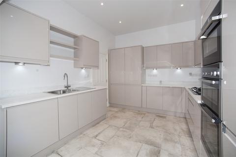 4 bedroom terraced house to rent - Tunis Road, Shepherd's Bush W12