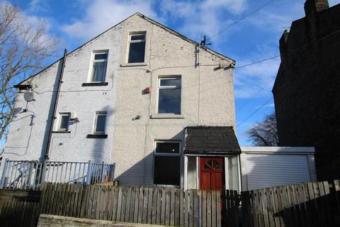 3 bedroom end of terrace house to rent - Melrose Street, Bradford, BD7 3EW