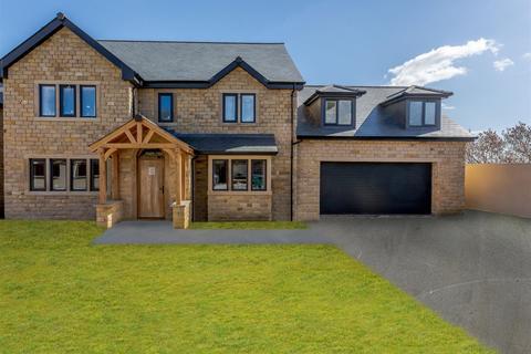 5 bedroom detached house for sale - Highstead Close, East Morton,  BD20 5SE