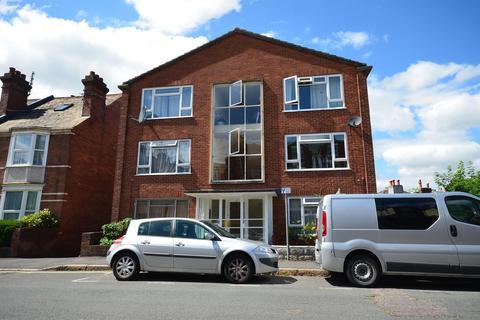 2 bedroom flat - Well Street, Exeter, EX4 6QL