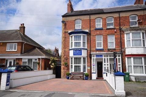 Guest house for sale - St. Annes Road, Bridlington, YO15 2JB