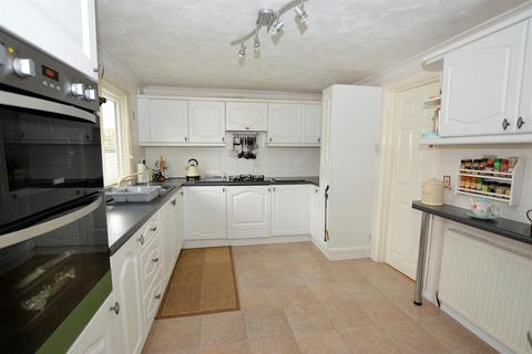 2 bedroom detached bungalow for sale - Poplar Drive, New Tupton, Chesterfield, S42 6DH
