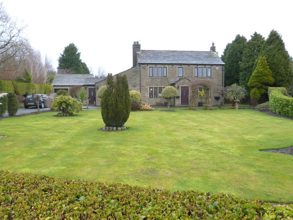 Shay Lane, Bradford, BD9 6SQ 3 bed detached house for sale - £575,000