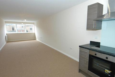 2 bedroom flat - Stephenson Street, North Shields, NE30 1QA