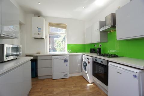 2 bedroom terraced house to rent - Shoreham Street, City Centre, Sheffield, S1 4ST