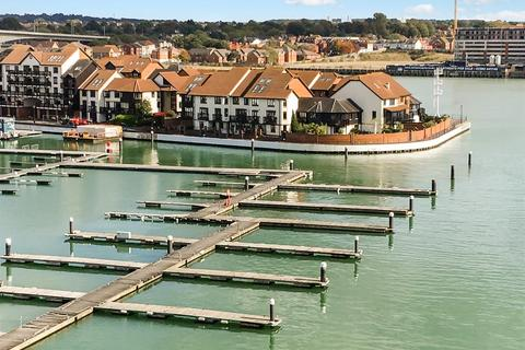 4 bedroom townhouse for sale - Calshot Court, Channel Way, Ocean Village, Southampton, Hampshire, SO14 3GR