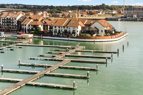4 bedroom townhouse for sale - Calshot Court, Channel Way, Ocean Village, Southampton, Hampshire, SO14 3GR