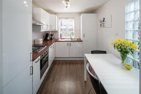 1 bedroom ground floor maisonette for sale - Tynemouth Road, London, N15