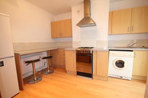2 bedroom apartment to rent - Milner Road, Brighton, BN2