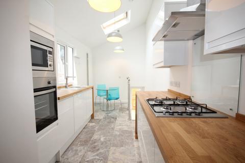 2 bedroom maisonette to rent - St Leonard's Rd, Brighton, BN2
