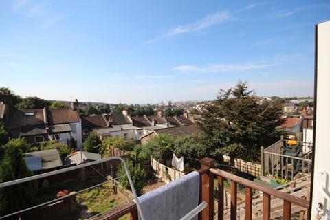 3 bedroom apartment to rent - Ladysmith Road, Brighton, BN2