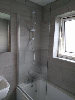 5 bedroom house to rent - Burman Street, City Centre, Swansea