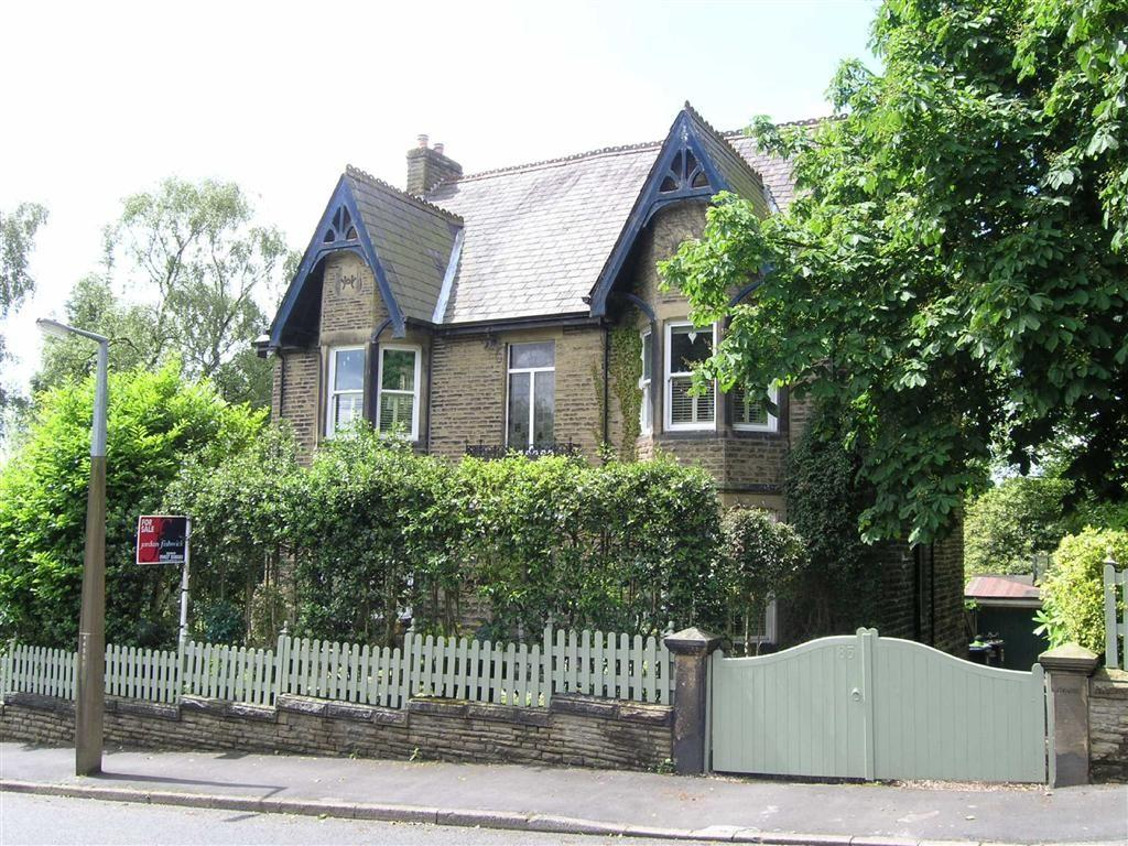 6 Bedrooms Detached House for sale in North Road, Glossop