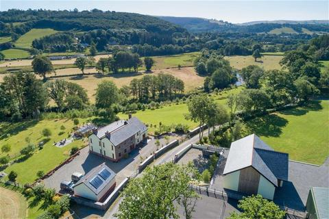 4 bedroom property with land for sale - Pumpsaint, Llanwrda