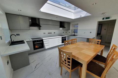 6 bedroom terraced house to rent - Mill Street,  Oxford,  OX2